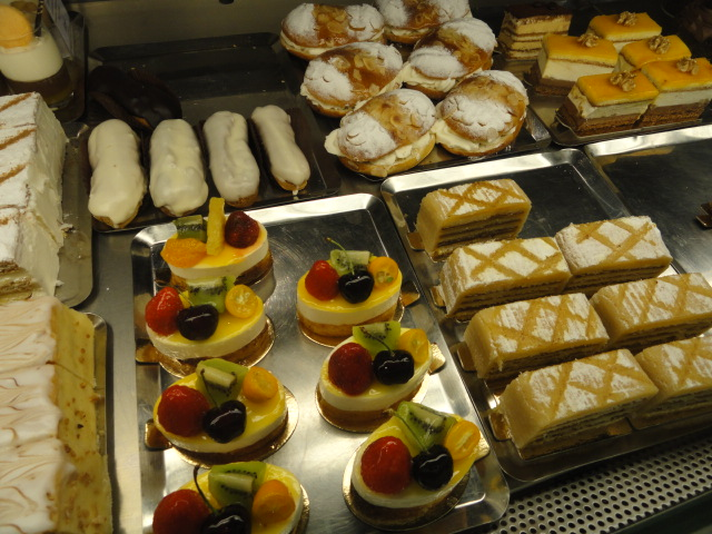 Goyo in Marbella - the best cakes in town